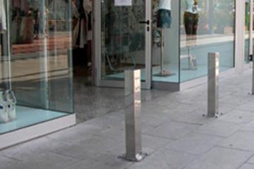 instalacion-de-pilonas-y-postes-antialunizaje-en-tarifa